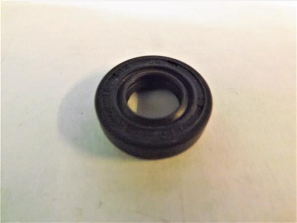 OIL SEAL TTO15MM X 28MM X 7MM